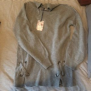 NWT Pink Rose Gray Sweater
